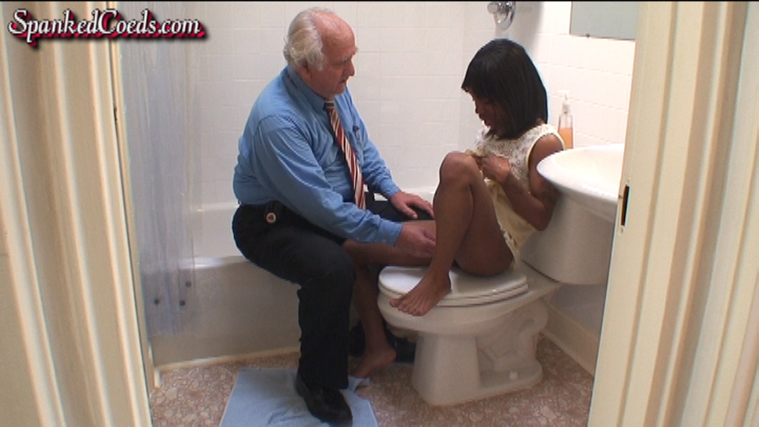 Brooke_Sex-Spanking_in_Bathroom_3